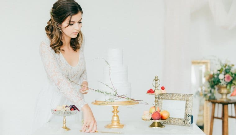 Stylish wedding ideas in pastel shades by Mademoiselle Fee and The Mezzinoi