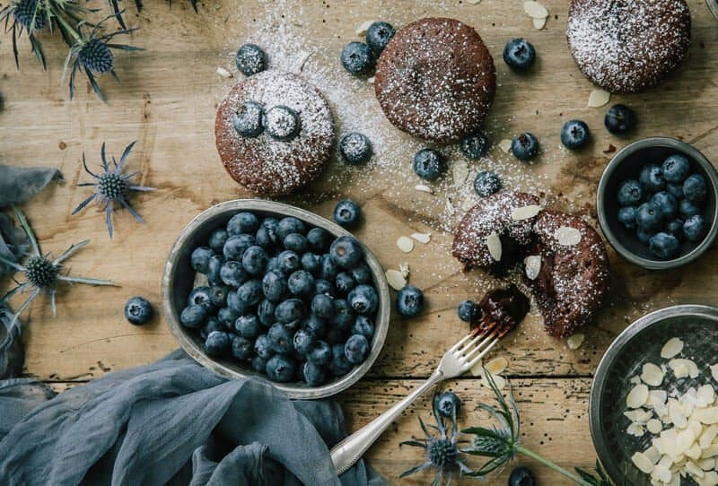Chocolate Runny Lava Cakes by Comme Soie